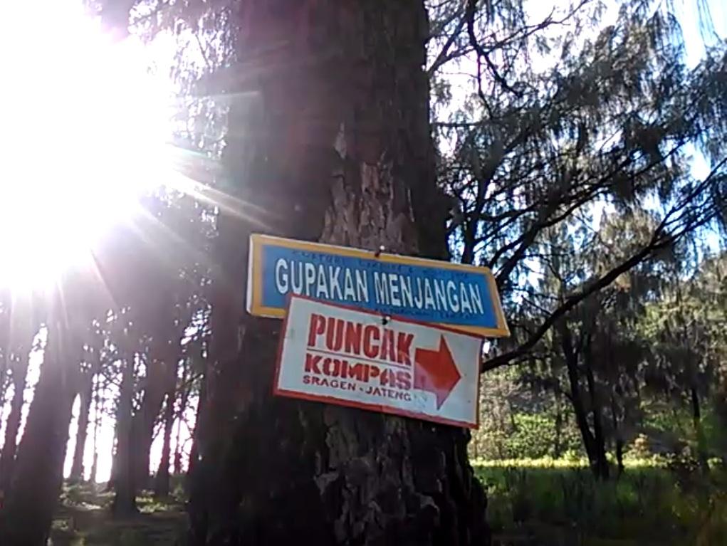Destinasi Jawa Timur Gunung Lawu Via Candi Cetho