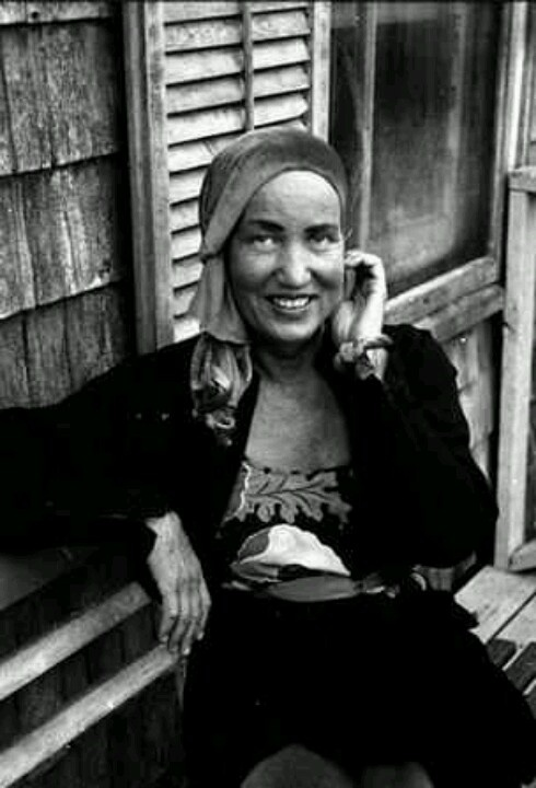 Reinette style icons part 2 - Edith bouvier beale grey gardens ...