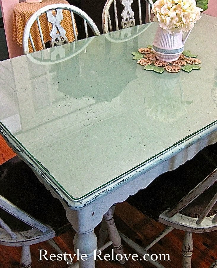 Farmhouse Style Vintage Green Dining Table amp Chairs : GreenTableandChairs8 from www.restylerelove.com size 732 x 904 jpeg 193kB