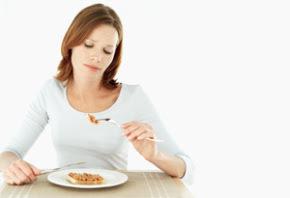makanan yang dapat merusak kulit