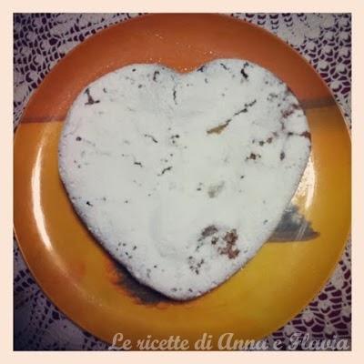 torta con pasta di mandorle
