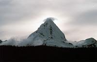 doruk,zirve,sivri dağ tepe