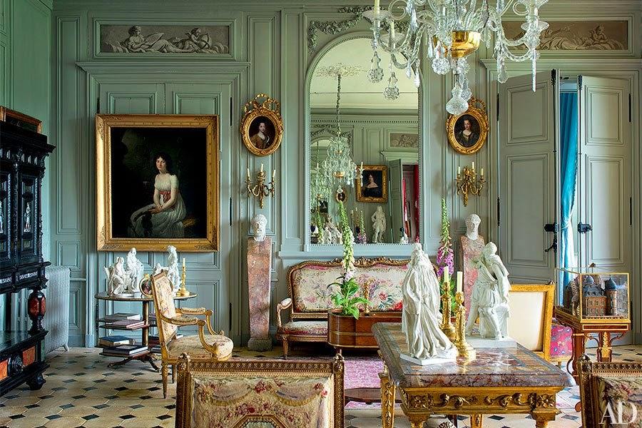 The lie that 39 s true nostalgia patina ch teau de digoine for French chateau interior design ideas