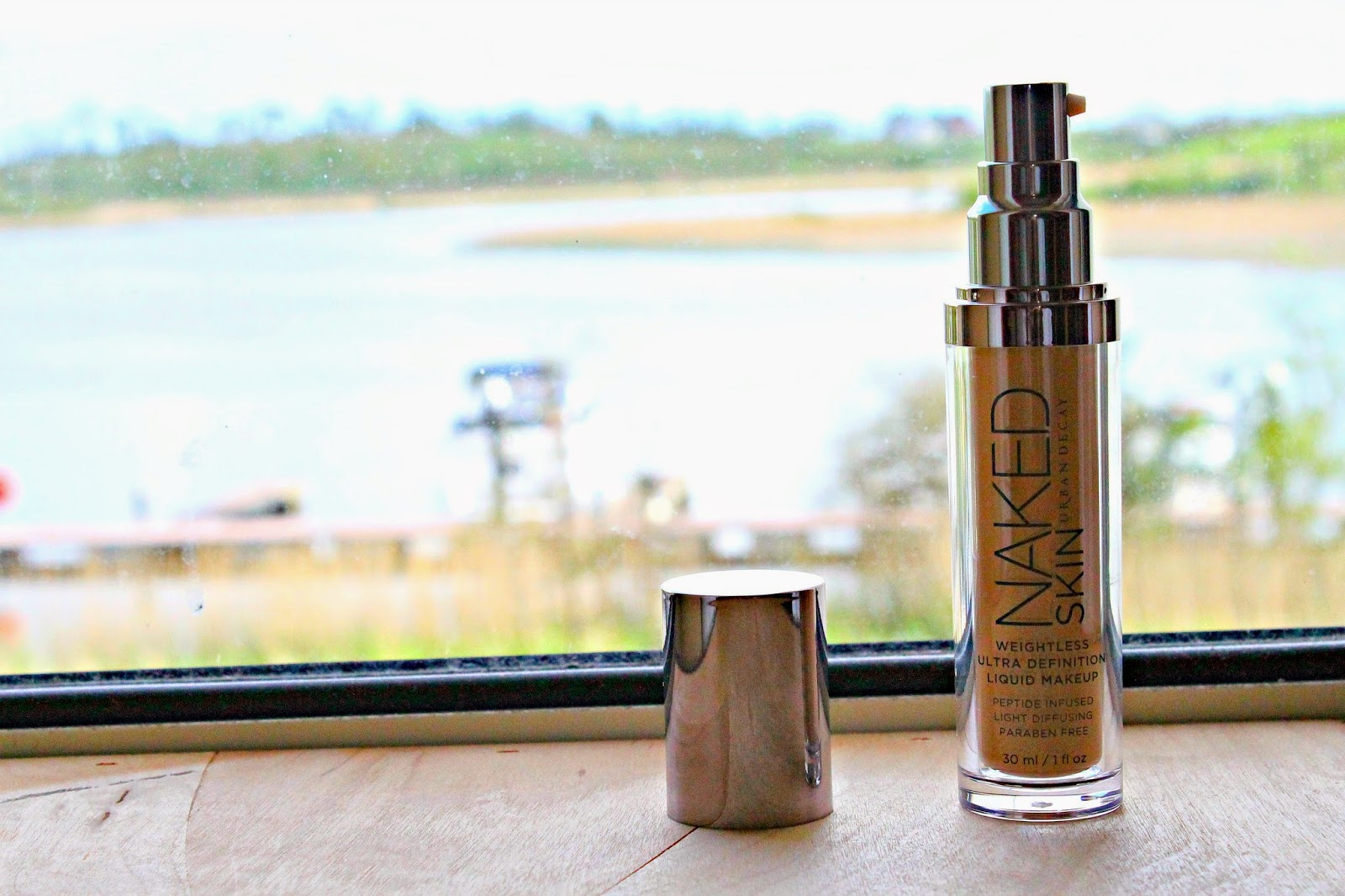 Urban Decay Naked Skin Weightless Ultra Definition foundation