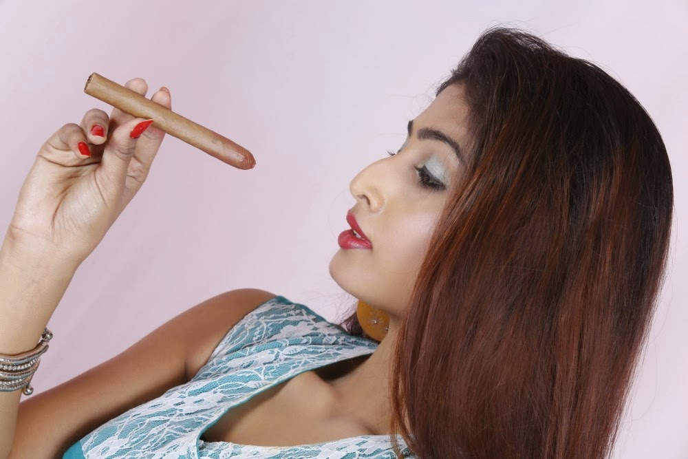 Actress Charulatha Pink Bottom Hot Photos
