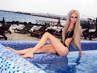 Valeria Lukyanova sexy