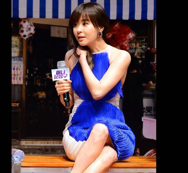 Đau tim với những chiếc váy ngắn của sao Hàn