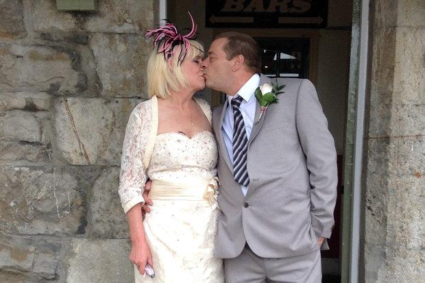 Η νύφη πήγε στον γάμο μέσα σε φέρετρο