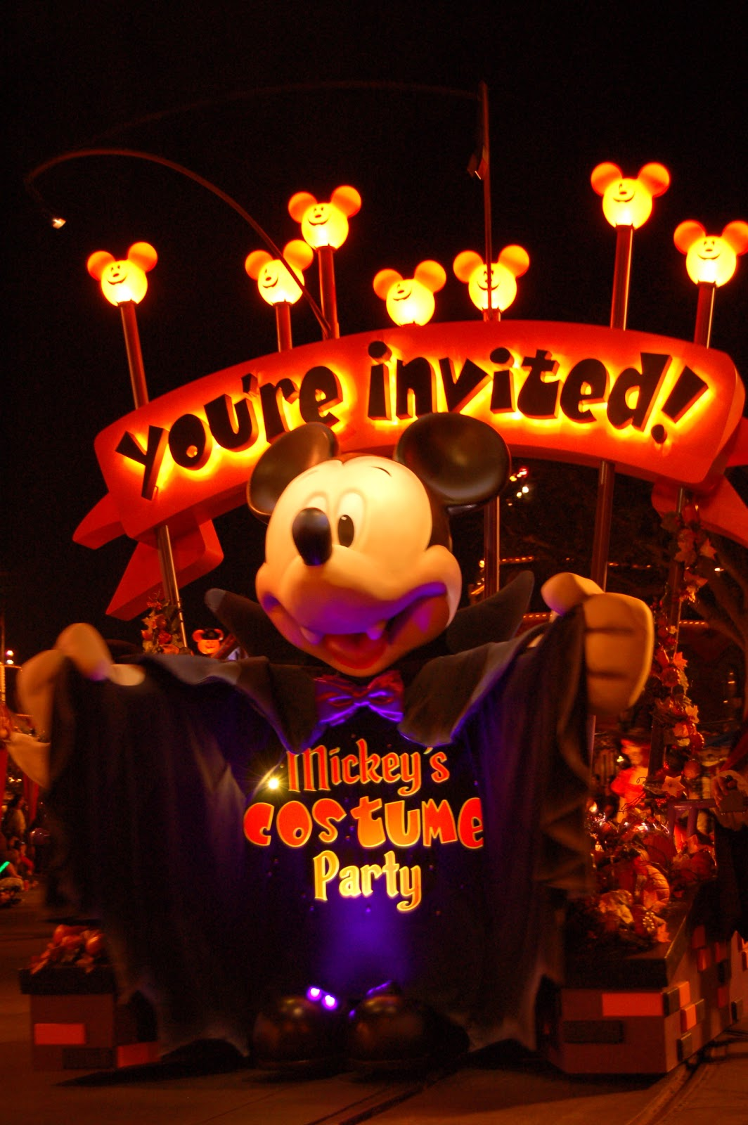 Disney Sisters: You're Invited to Mickey's Costume Party Parade 2011