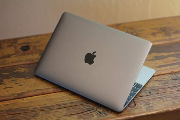 Apple Manufactured Ambitious Laptop Batteries Use 1 Week