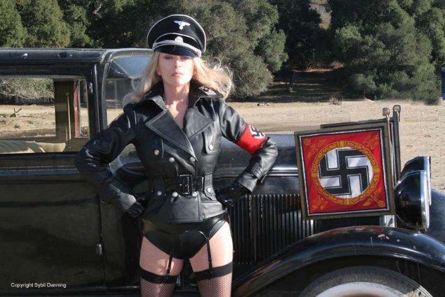 porno-video-v-uniforme-skachat-s-torrenta