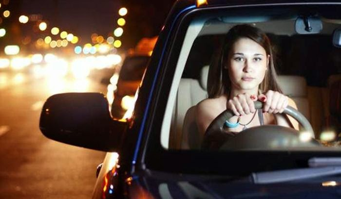 Safe Driving Tips For Women at Night