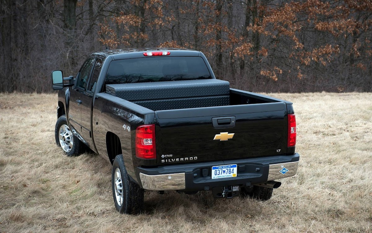 2013 Chevrolet Silverado Widescreen HD Wallpaper 4