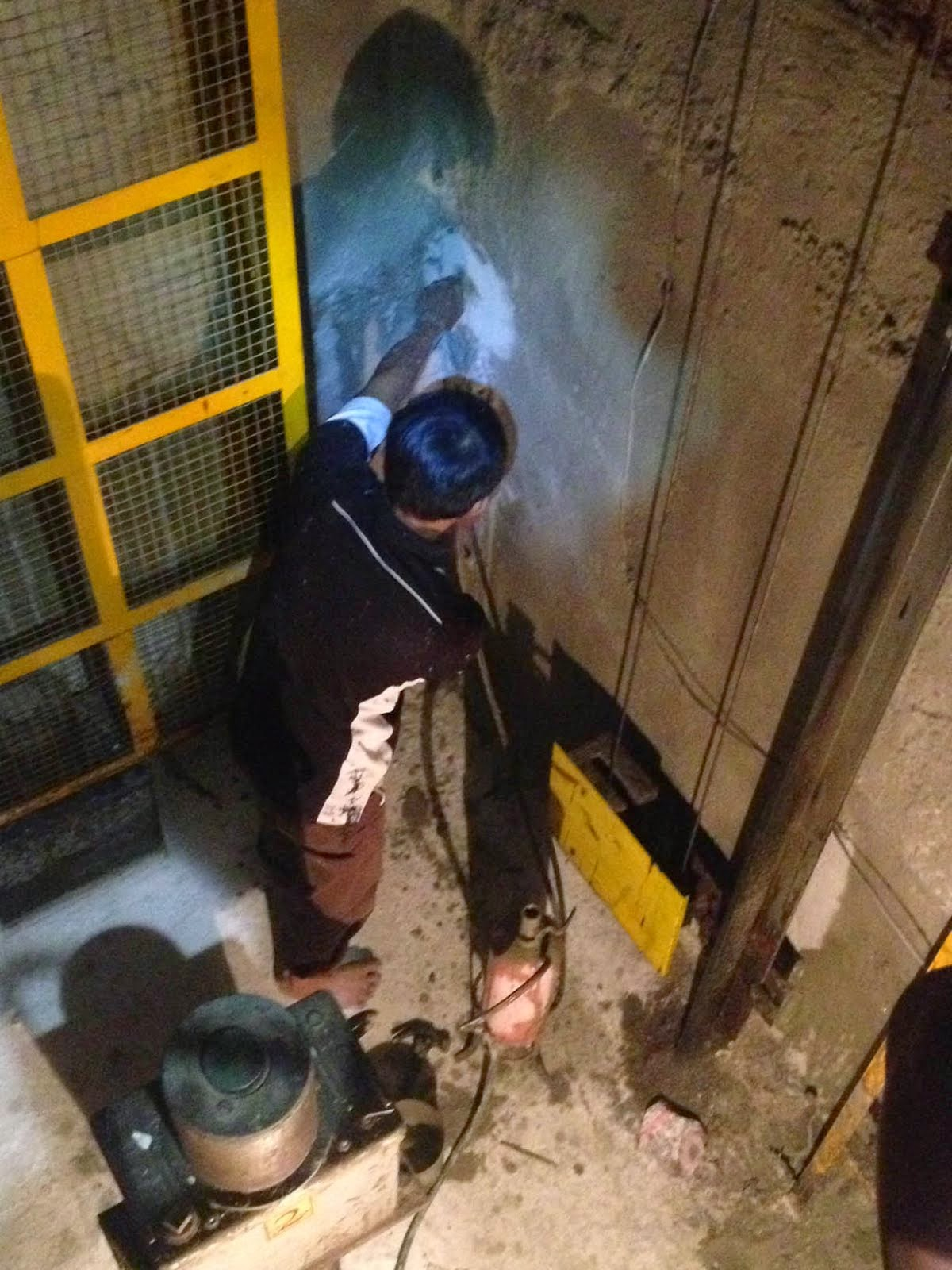 Injeksi Beton Ruang Lift