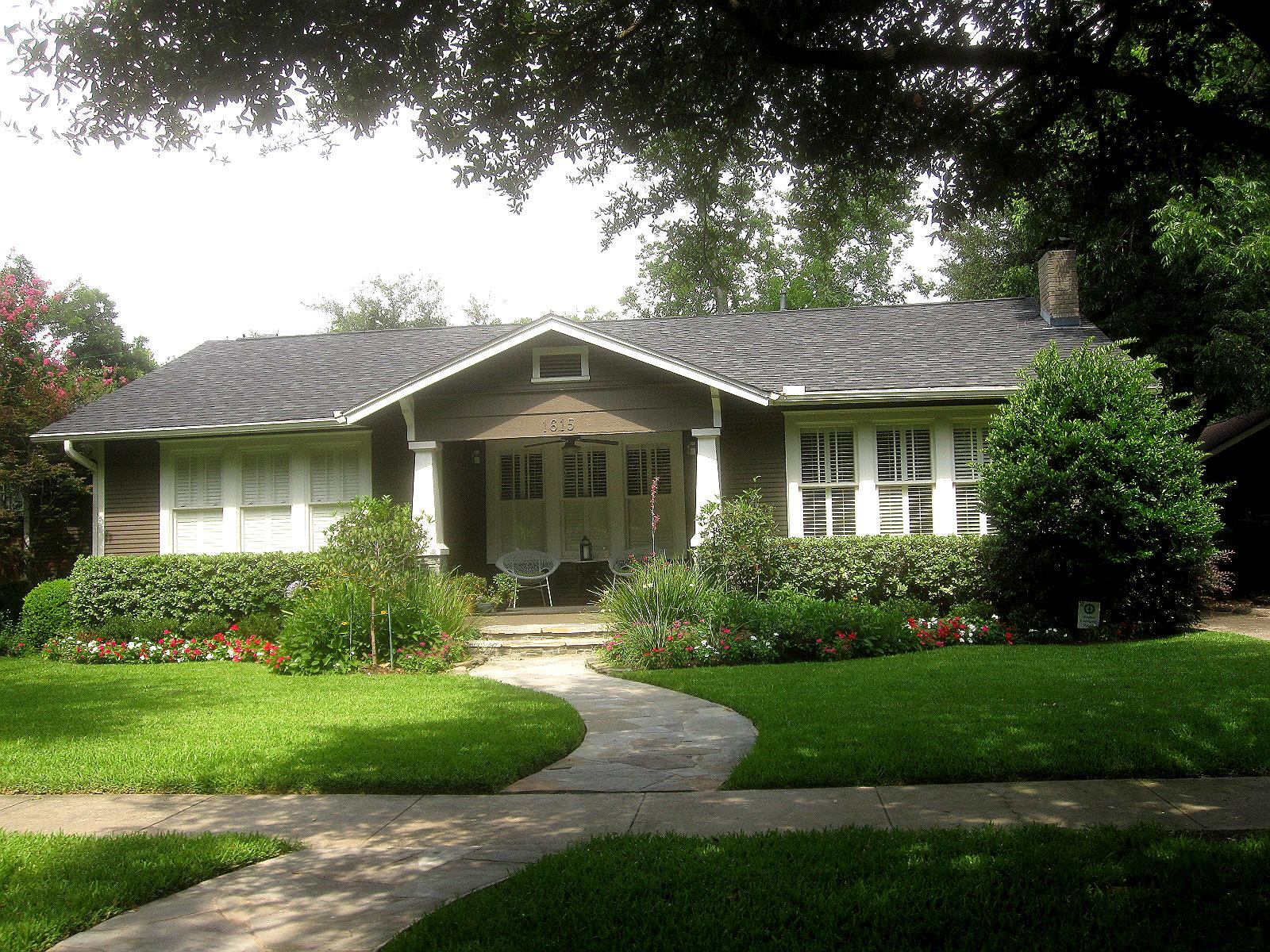 The other houston bungalow front yard garden ideas for Front lawn design