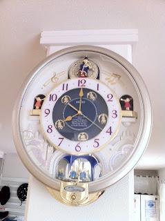 実家の父から新築祝いで掛け時計をいただいた