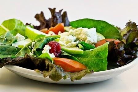 immagine di piatto con insalata
