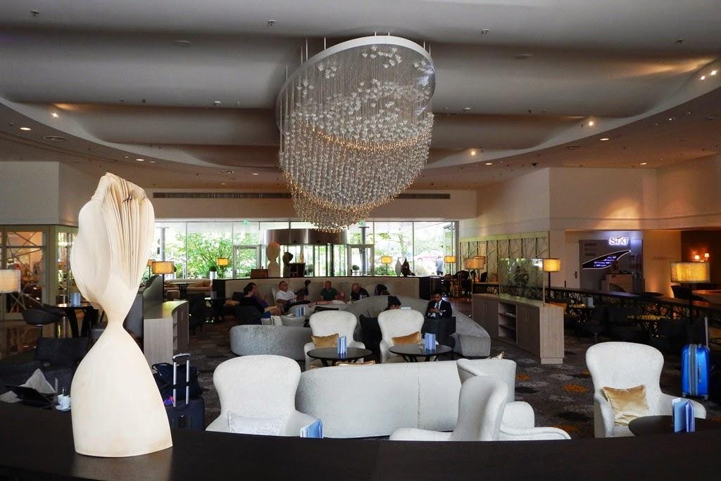 Hilton Munich Park lobby
