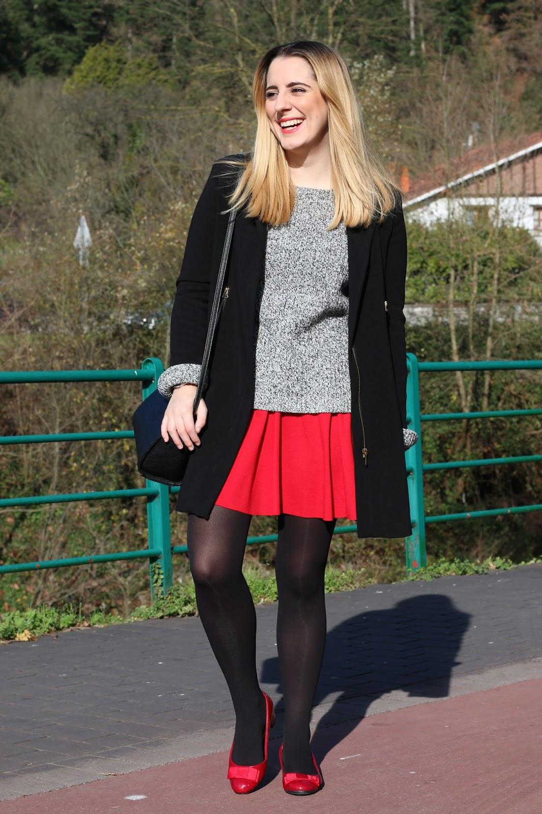 Outfit con falda roja para invierno | Me Myself My Wardrobe | Bloguera y Youtuber de moda ...