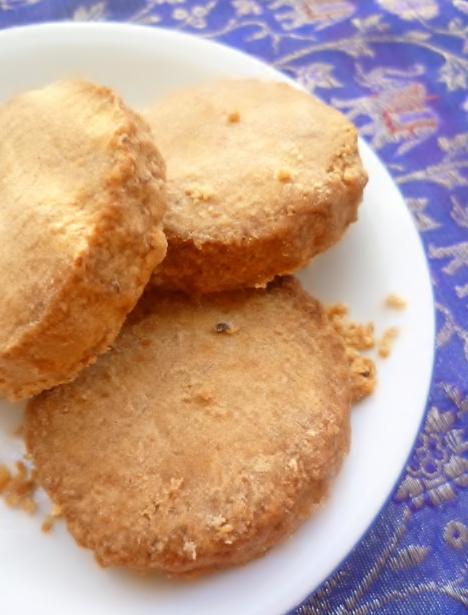 Marmaduke scarlet christmas baking mantecados spanish shortbread christmas baking mantecados spanish shortbread biscuits forumfinder Image collections
