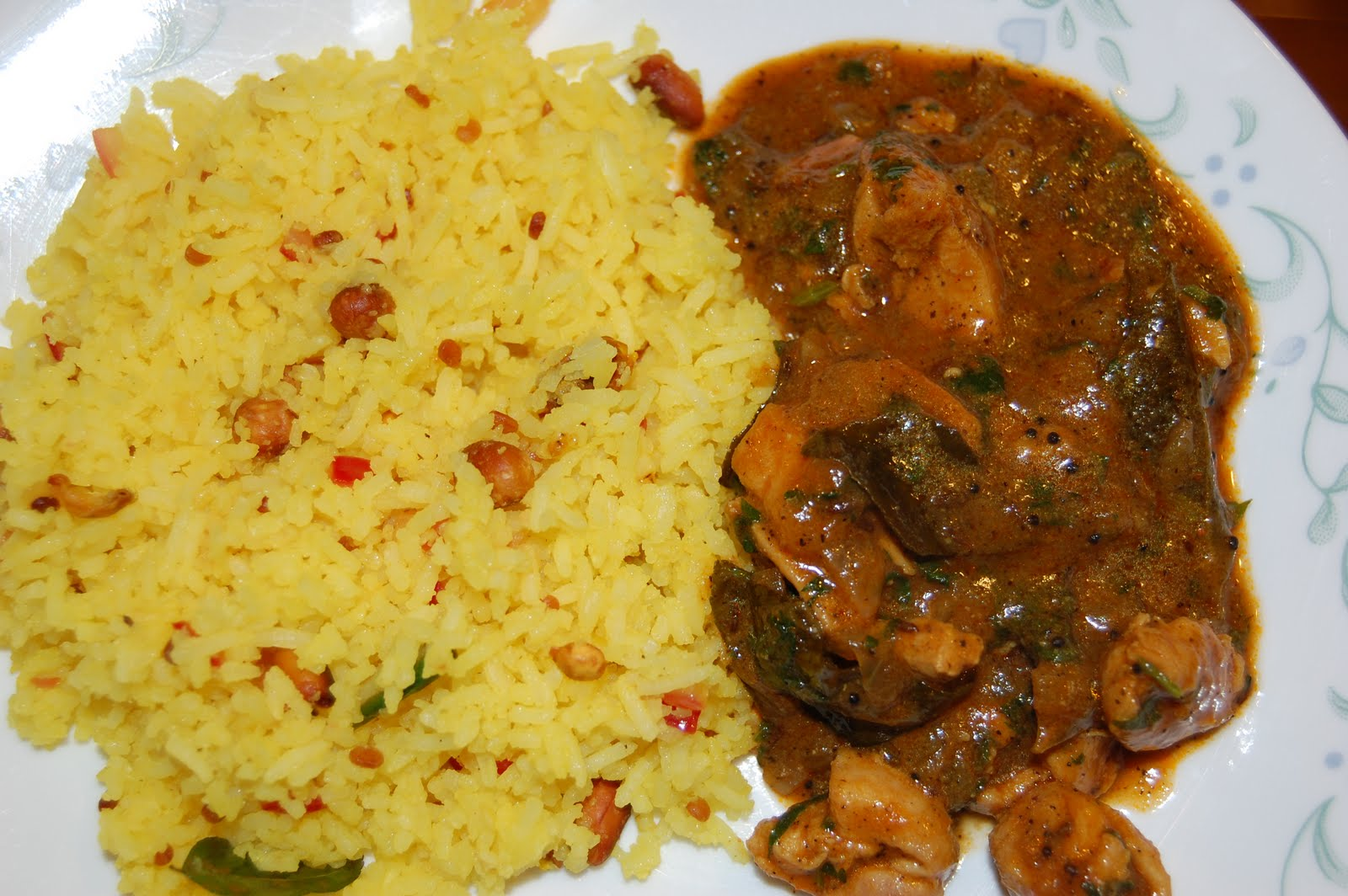Confessions of a Foodie :-): Pepper Chicken and Lemon Rice