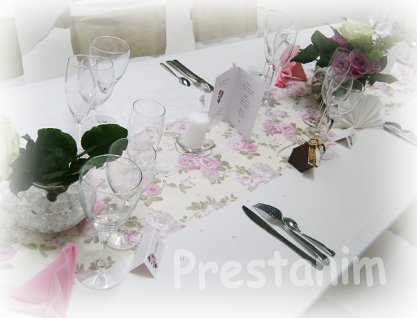 decoration table mariage theme romantique meilleur blog de photos de mariage pour vous. Black Bedroom Furniture Sets. Home Design Ideas