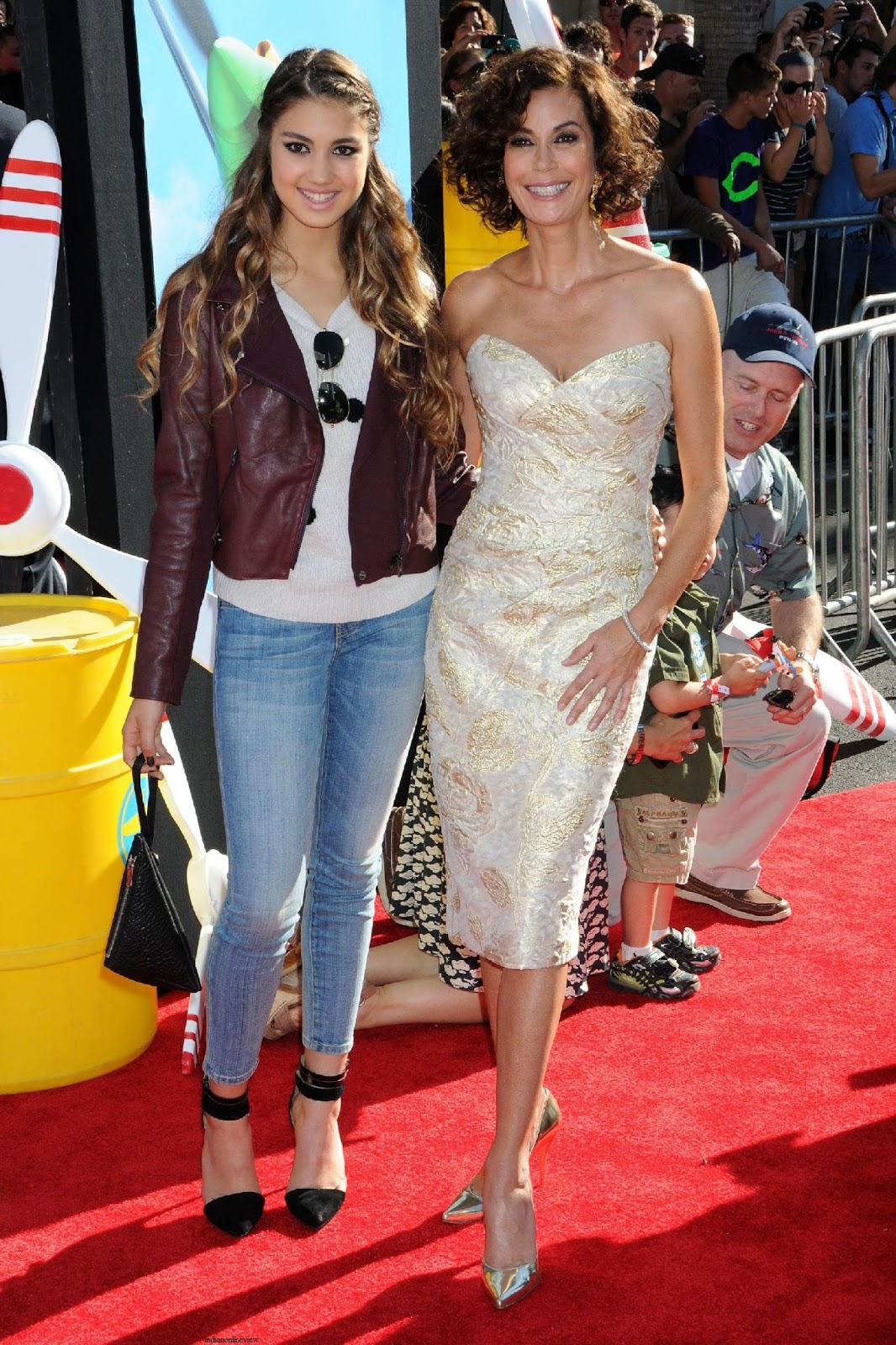 TERI HATCHER HAS WITH HER 16 YEAR OLD DAUGHTER EMERSON ...