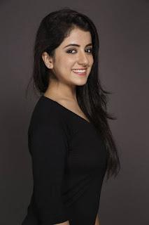 Ruhani Sharma (6).jpg
