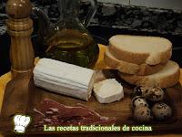 Tostadas con jamón queso de cabra y huevos de conorniz