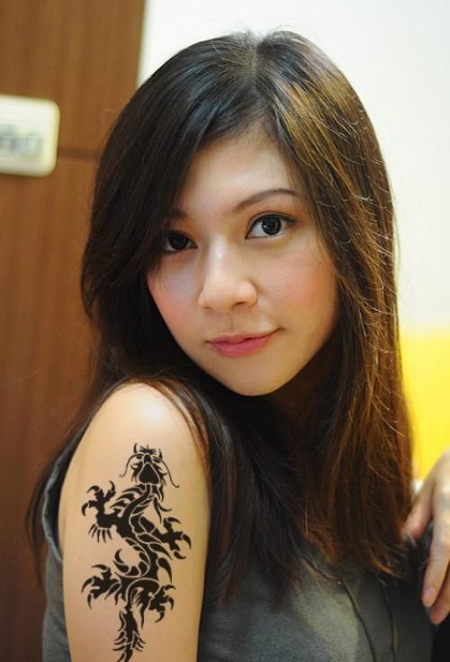 greatest tattoos designs dragon tattoos for women. Black Bedroom Furniture Sets. Home Design Ideas