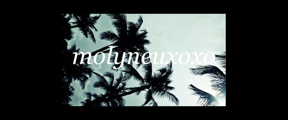 MOLYNEUXOXO