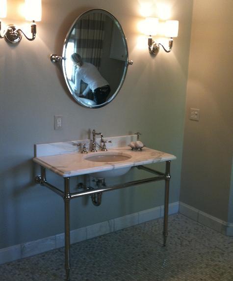 Rachel hazelton interior design hooked on horizontal stripes for Stripe interior design