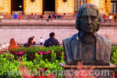 Busto de José Bonifácio de Andrada e Silva, conhecido como Patriarca da Independência, no jardim do Museu Paulista (ou Museu do Ipiranga), em São Paulo - Por Tito Garcez