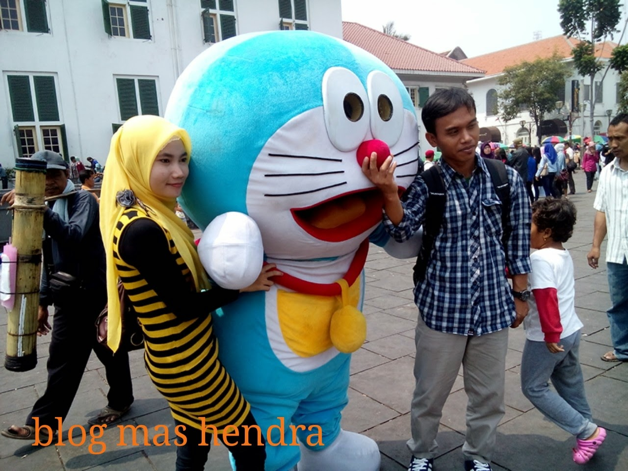 Doraemon Man in Kota Tua