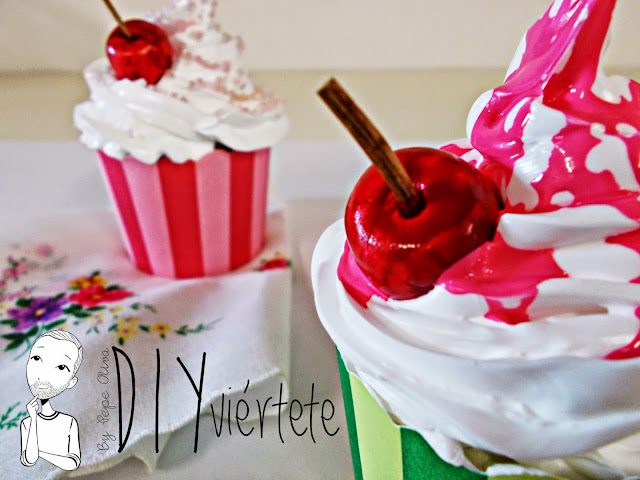 DIY-Do It Yourself-DIYviértete-manualidades-decoración-cupcakes-Decoden-técnica-dulce-cereza-sirope-frostinf-merengue-2