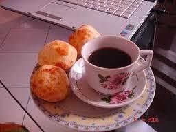 café e pão de queijo