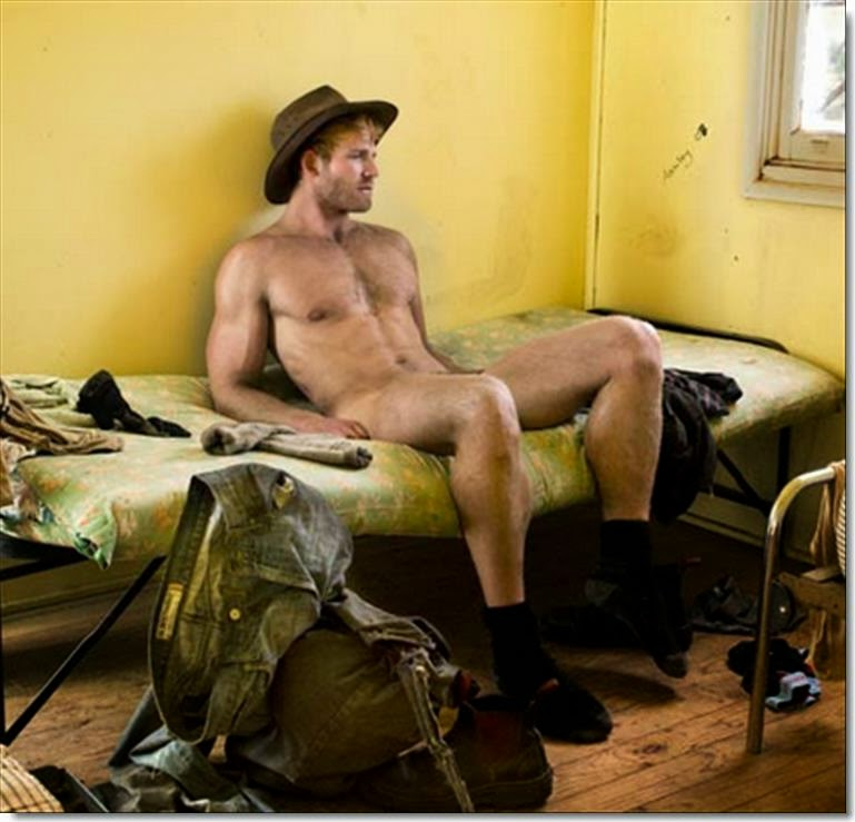Australian Men Nude 112