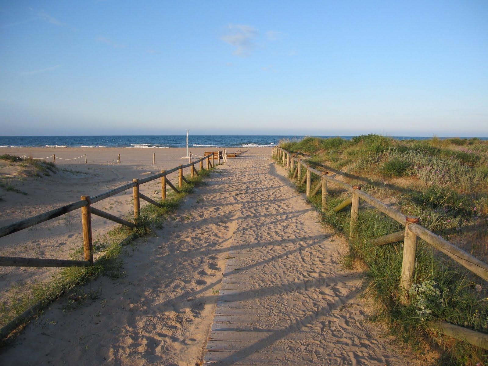 Accès a la platja de l'Ahuir