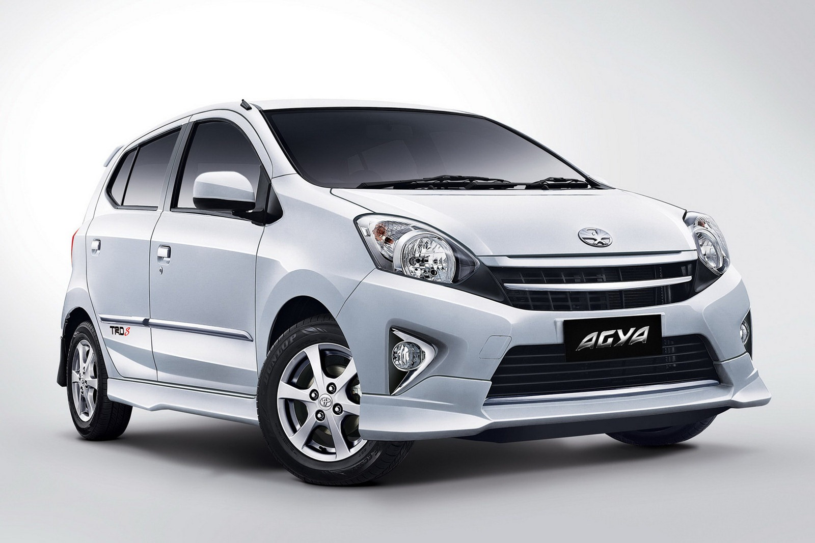 Gambar Toyota Agya 2015