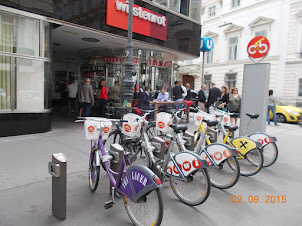 Cycles for hire in Vienna.
