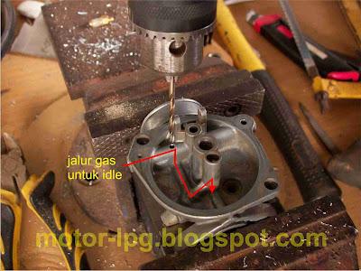 Gambar 1. Membuat saluran gas elpiji untuk idle