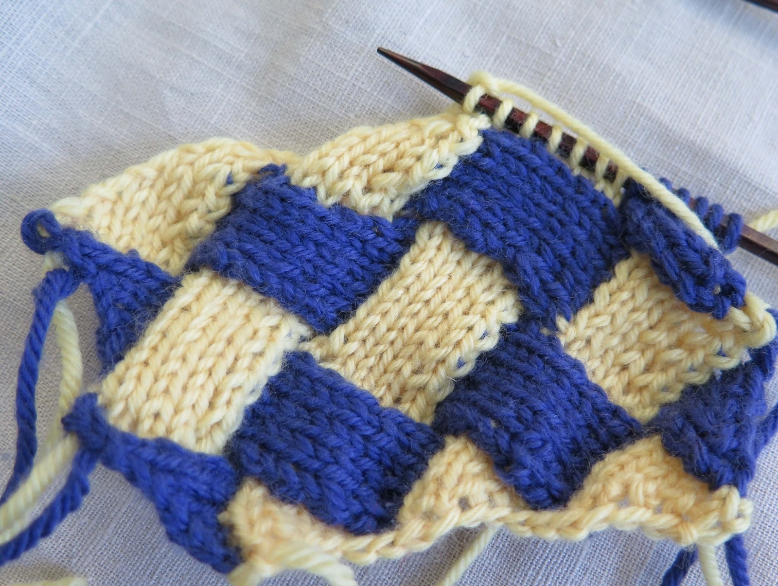 Picking Up Stitches Entrelac Knitting : Knit Pro: Entrelac   a step-by-step guide