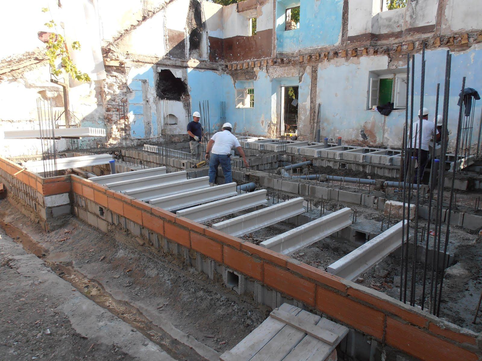 Imagen 4 detalle de los trabajos realizando el forjado - Forjado sanitario caviti ...