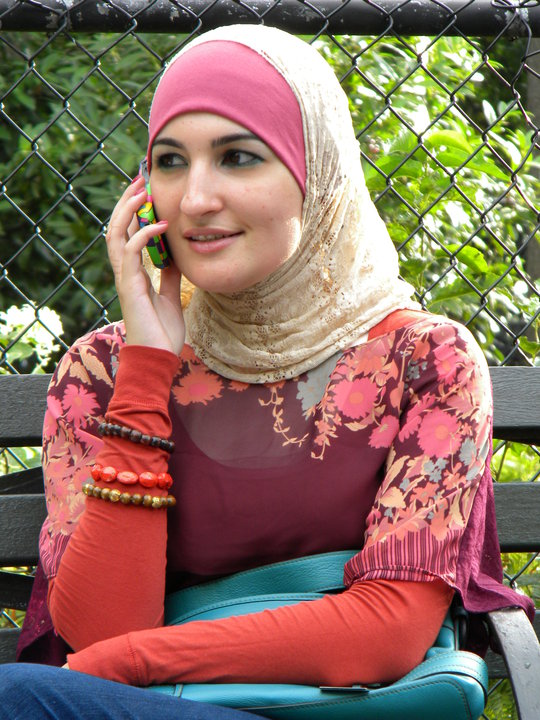 des moines single muslim girls Des moines singles on webdatecom, the worlds best free dating and personals site find singles in ia for flirty fun, and chat with single men and women online.