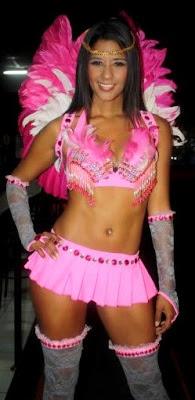 Rocío Miranda como angelito en un desfile de modas