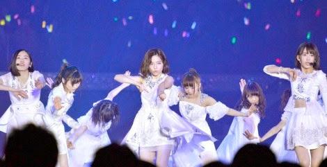 penampilan-pada-debut-single-akb48-yang-ke-40-bokutachi-wa-tatakawanai-di-ssa