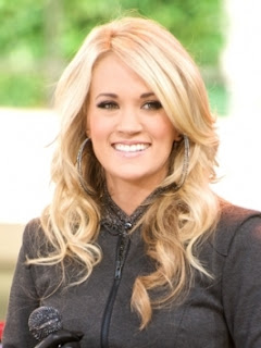 carrieunderwoodhairstyles longcasualwavyhairstyle Carrie Underwood Long Blonde Romantic Curly Hairstyles