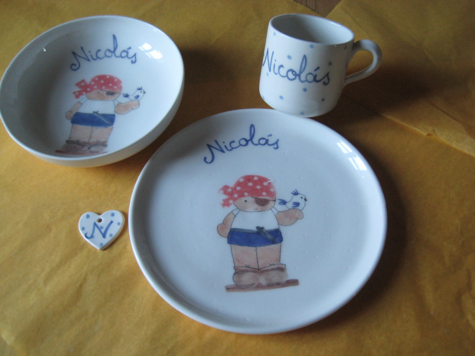 3 abril vajillas infantiles personalizadas decoraci n for Vajillas bebe personalizadas