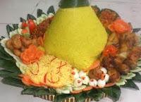 How To Make Nasi Kuning (Make a Dish Indonesia)