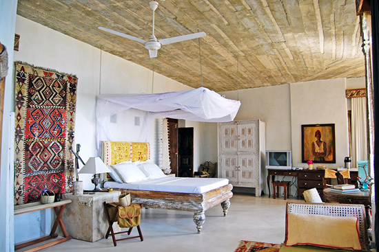 Safari Fusion blog | Colour pop | Colourful Arabic textiles in the Royal Suite at The Majlis Lamu, Kenya